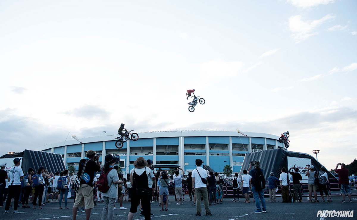 fmx freestylemotocross フリースタイルモトクロス Red Bull Air Race Chiba 2019 レッドブル エアレース 千葉  江原大空 ehara sora sola  金子博延 kaneko hironobu キャッチャー金子 鈴木龍星 RYUSEI FMXSHOWCASEentertainment FMXショーケース